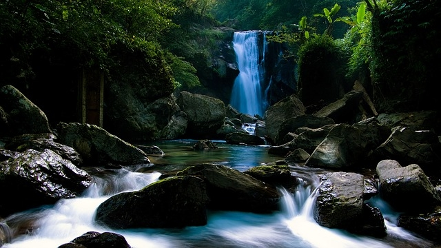 Quelle Wasserfall